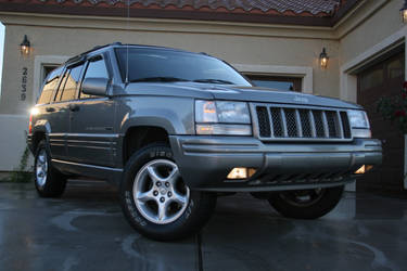 5.9 Grand Cherokee 2 by scopic-pulsion