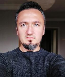 EmrahSerdaroglu's Profile Picture