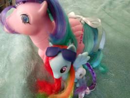 Pony Aunt and Niece: Whizzer and Rainbowdash by LittleKunai