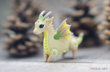Ball-jointed dragon - beige, yellow, green, pink by dallia-art