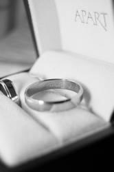Wedding ring by Saishuu-Karasu