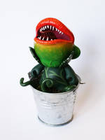Little Shop of Munny - Audrey II by messymedia