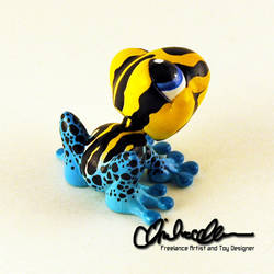 Pepe the Poison Dart Frog Custom LPS by thatg33kgirl