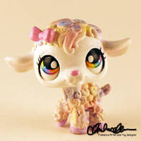 Mary the Spring Lamb custom LPS by thatg33kgirl