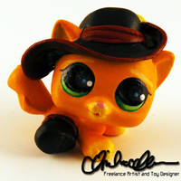 Puss in Boots custom LPS by thatg33kgirl