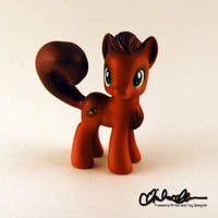 Squee the Squirrel Pony by thatg33kgirl