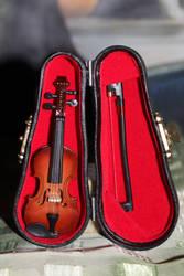 Miniature replica violin by DelphineHaniel