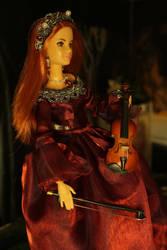 Violinist by DelphineHaniel