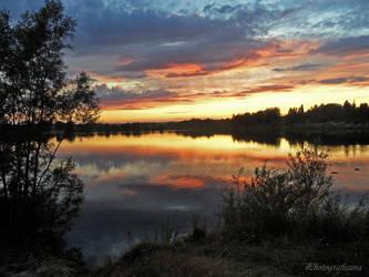 Sky like a fire. by Photograficzna