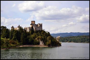 Niedzica Castle. by Photograficzna