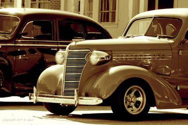 Antique Car Show by eskimoblueboy