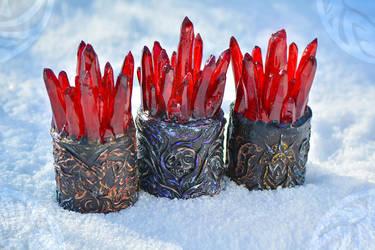 Red Lyrium crystals - night lights by Dar-Pustoshi