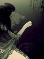 The dust of green waters by Isbikta