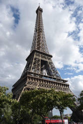 La Tour d'Eiffel by Acromatic