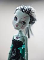 It's a doll :0 by FrankieNadine