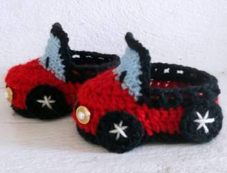 Baby Boy Car Booties Crochet Pattern by PatternStudio