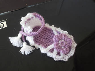Strappy Sandals Baby Booties Crochet Pattern by PatternStudio