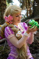 Rapunzel and Pascal - Tangled by AdiaCosplay