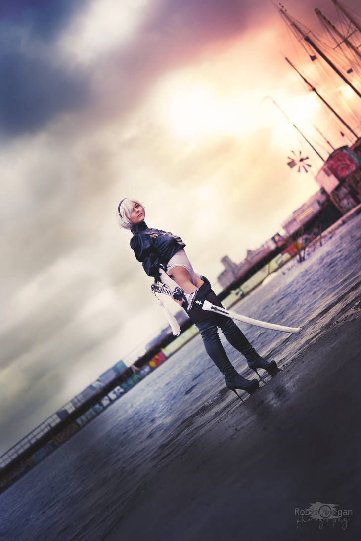 Self-destruct 2B from NieR:Automata by AdiaCosplay