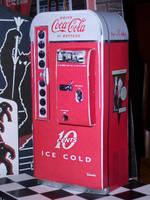 Vendo 81d Coke Machine by MisterBill82