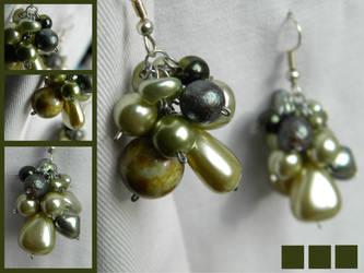 Green elegancy by LiLa-fLies