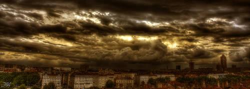 A cloudy day by John-Genova