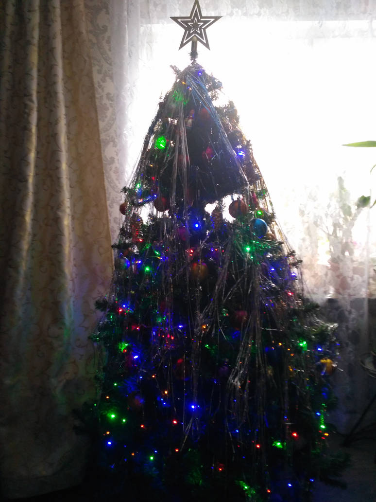 Christmas tree by AshlyStorm