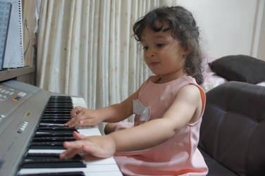 Little great pianist by Saaraa96