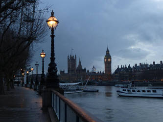 On River Thames 2 by Heza-chan