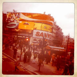 Piccadilly Circus by somombo