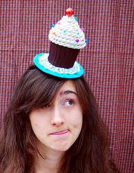 Tiny Top Hat: Chocolate Cupcake by TinyTopHats
