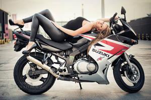 Ola and her bike by Wikutoru