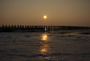 Sun Set On Ice by TheConstructor