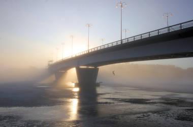 bridge in the fog by KariLiimatainen