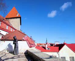 Tallinn Old Town by KariLiimatainen