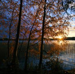 Nice autumn night by KariLiimatainen
