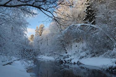 Beautiful winter day.. by KariLiimatainen