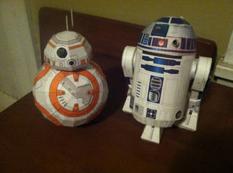 BB-8 and R2D2 by n8s