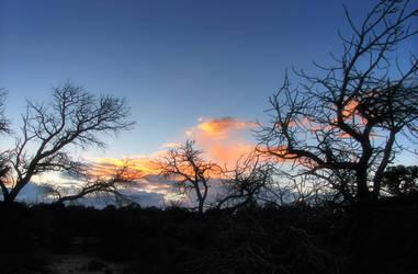 un soare a apus... by DianaLucifera