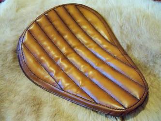 Custom bobber leather seat by gevar