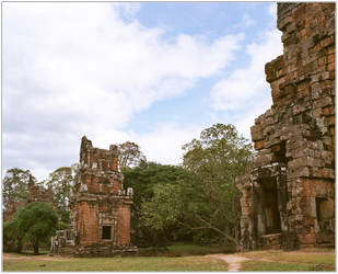 Prasat South Kleang #3 by Roger-Wilco-66