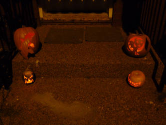 2011 Jack-o-lanterns lit up by TNHawke