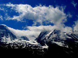 The sky meets the mountains by Chanteur-de-Vent
