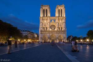 Notre Dame de Paris - west facade at night 2 by CyclicalCore