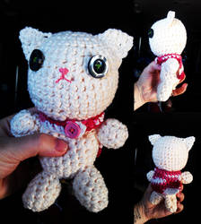 Amigurumi Kitty With a Cape by starrley