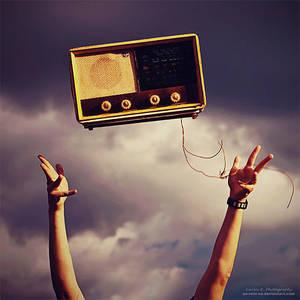 Radio Receptor by oO-Rein-Oo