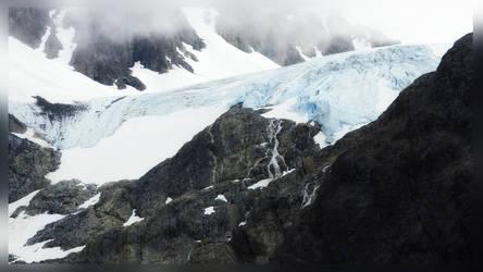 Glacier by kaitengiri