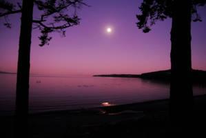 Pink moonrise by staroflife51