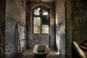 Urbex - Wash away the years by Liek