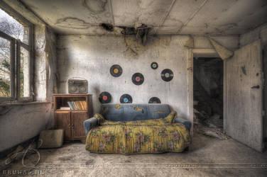 Villa vinyl by Liek